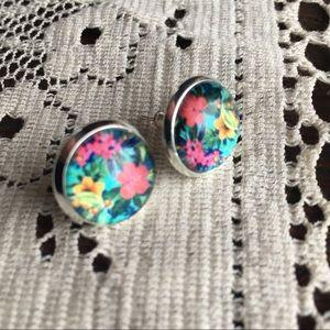 Jewelry - 💕Tropical Floral Stud Earrings